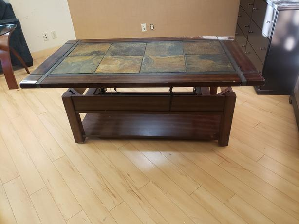 Roanaok Lift-top Coffee table - clearance priced