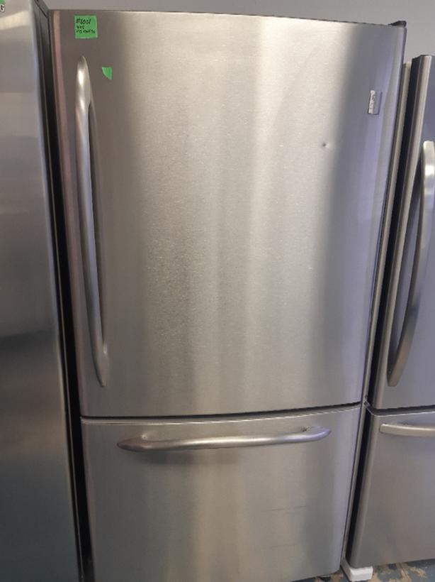 GE Fridge bottom freezer (#6081)