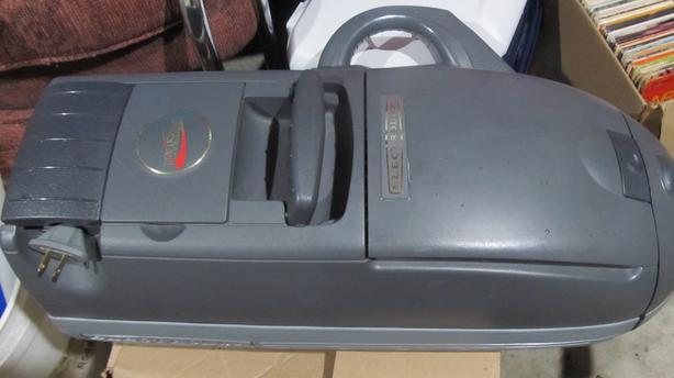 ELECTROLUX RENAISSANCE VACUUM CLEANER