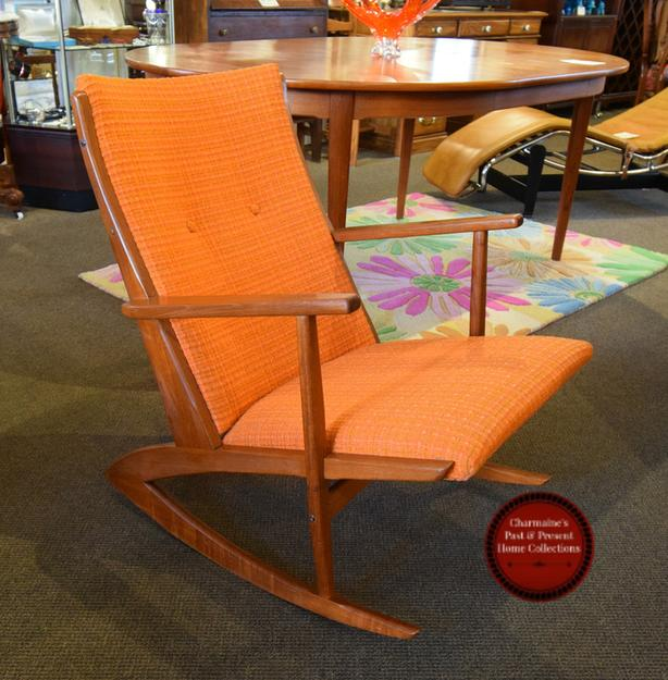 TOP DOLLAR FOR YOUR MID-CENTURY MODERN FURNITURE