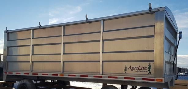 New 20 Foot AgriLite Aluminum Grain Box with 3 Remote Features