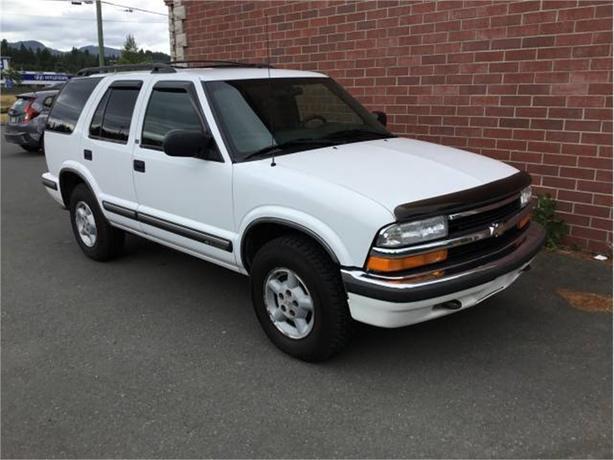 1999 Chevrolet S10 Blazer LS   4WD