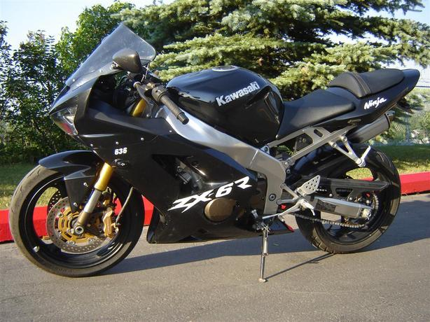 2003 Kawasaki ZX 636  only 3,258 kms Can deliver for XMAS