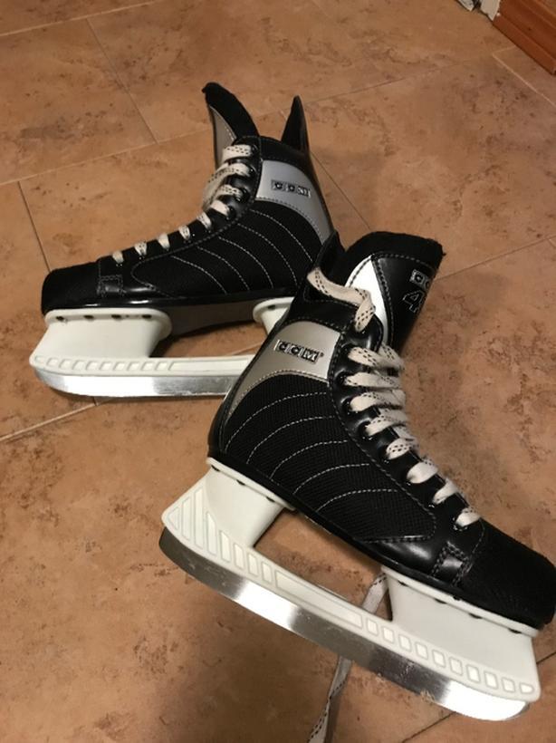ccm youth skates