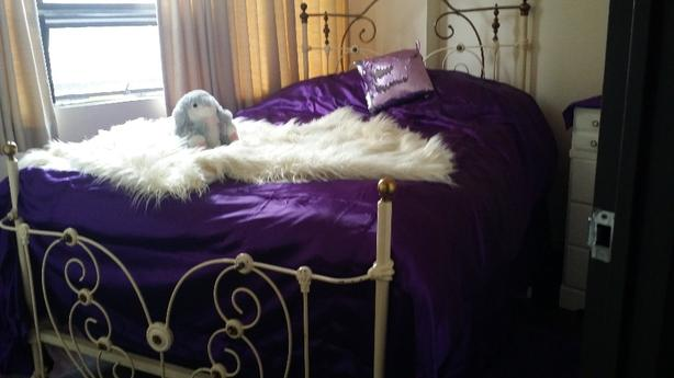 MID 1800's HEARTSHAPE ROMANTIC ANTIQUE BRASS & IRON 4 POSTER BED