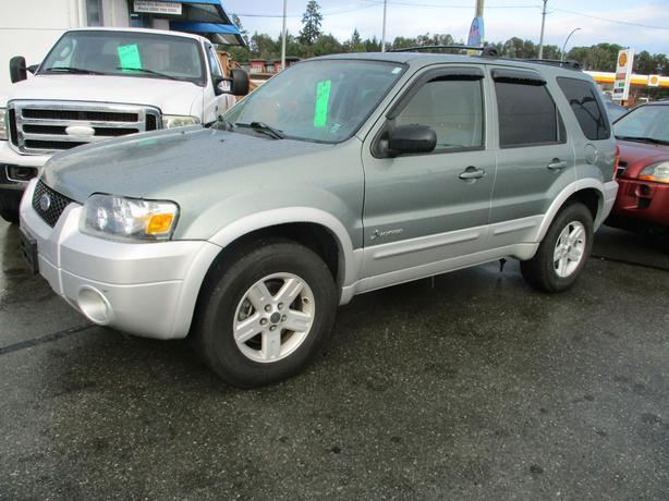 2005 ford escape hybrid 2wd - only 106 kms