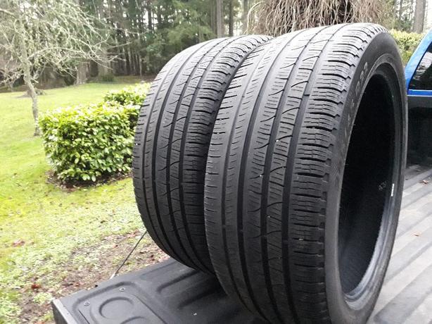 Pirelli 285/45 R22
