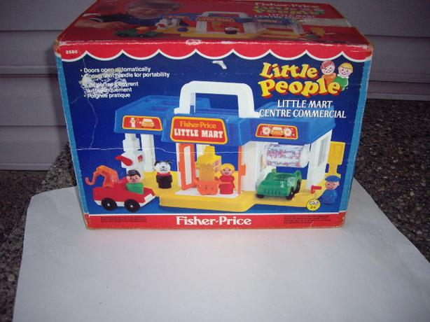 BOX FISHER PRICE LITTLE MART
