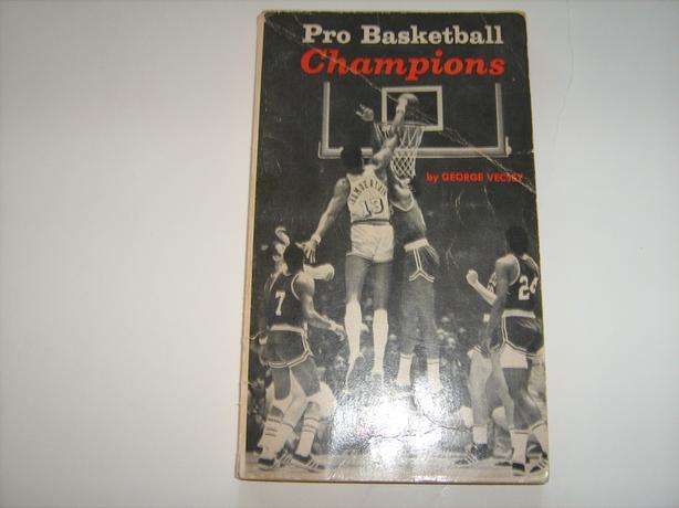 VINTAGE 1970 PRO BASKETBALL CHAMPIONS BOOK