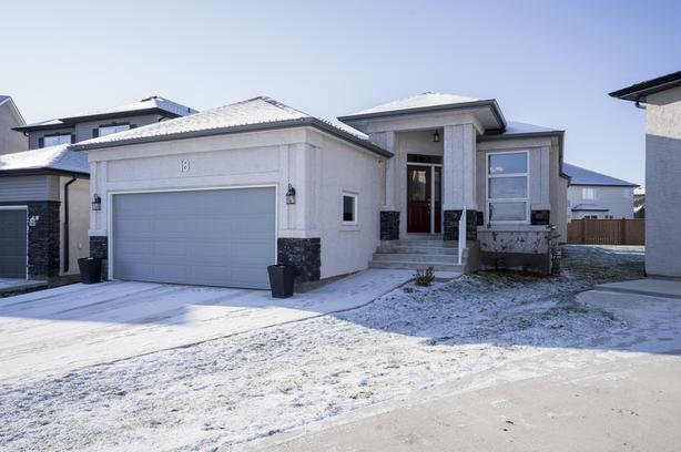 Four Bedroom Bungalow in South Pointe - Jennifer Queen