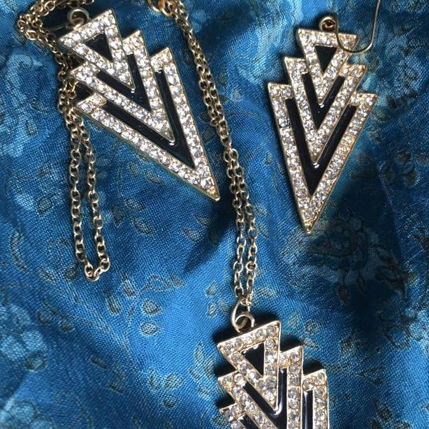 """""""I'm in a New Deco State of Mind"""" earring and necklace set"""