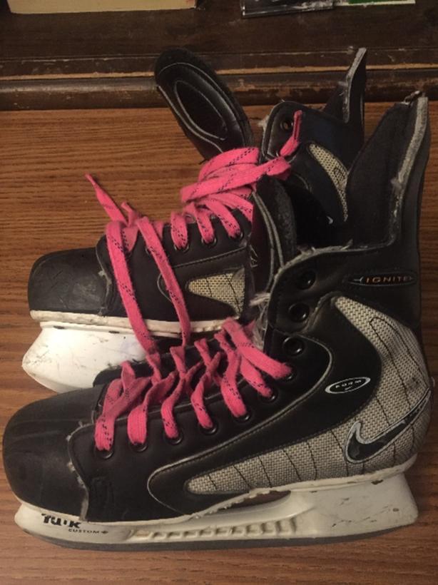 Nike Ignite ZM Air Size 5.5 Hockey Skates