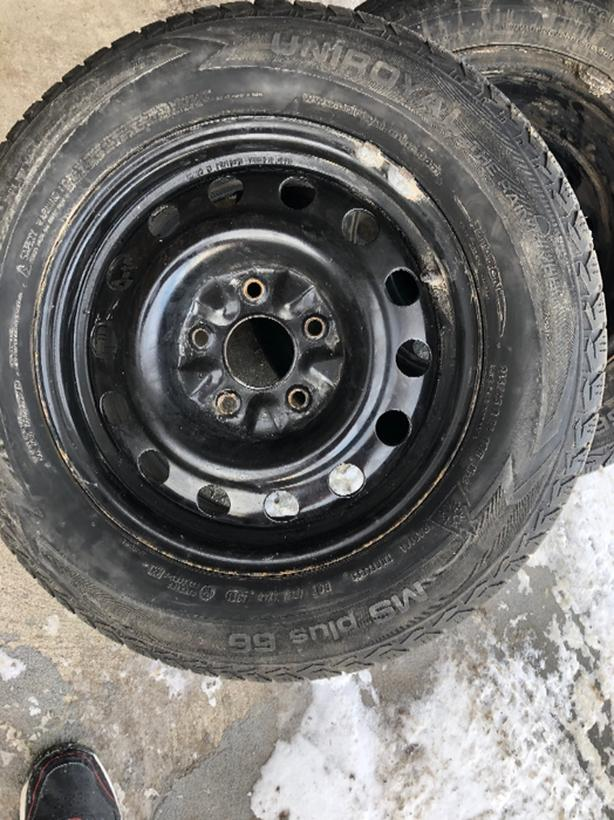 winter tires with rims 215/65R16