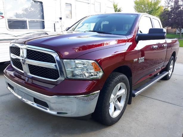2018 RAM 1500 SLT QUAD CAB 4 X 4 RED PEARL 30,000 KM
