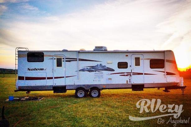 312 QBUD (Rent  RVs, Motorhomes, Trailers & Camper vans)
