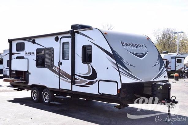239ML (Rent  RVs, Motorhomes, Trailers & Camper vans)