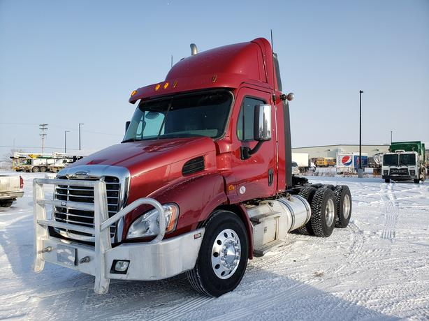 2015 Freightliner Cascadia 113 with Wet Kit