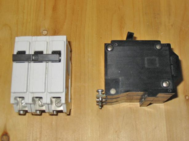 COMMANDER QBH 100 Amp, 3 Pole Circuit Breaker (CEB / Sylvania QBH3100) ~ Rare!