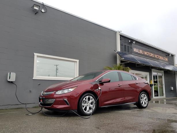 2016 Chevrolet Volt Plug-In HYBRID ** LOADED **