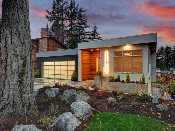 Gorgeous Contemporary Custom Designed House in Victoria BC Canada