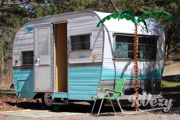 Glendette 14 (Rent  RVs, Motorhomes, Trailers & Camper vans)
