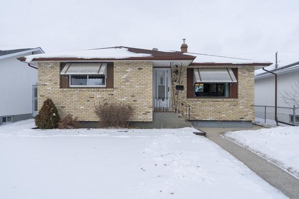 Immaculate Bungalow in West Transcona - Jennifer Queen
