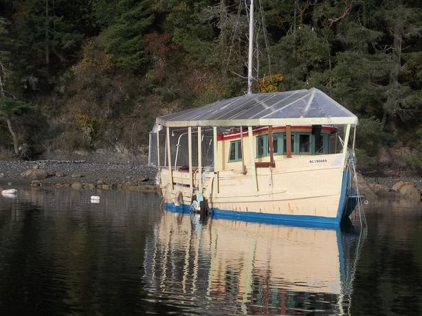 1949 40 ft yellow cedar ex-fishing trawler liveaboard