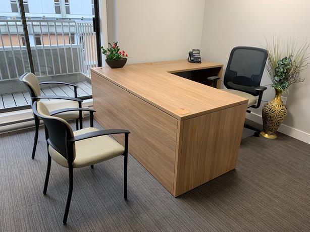 PRIVATE OFFICE DOWNTOWN IN BUSINESS CENTRE-1 MONTH FREE