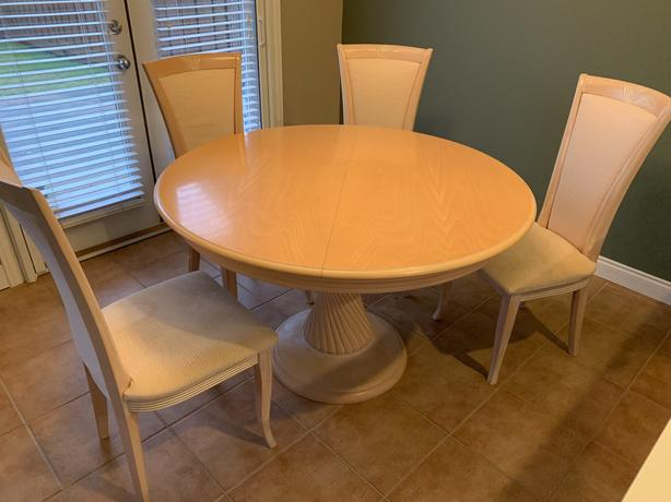 Table + chair x 5