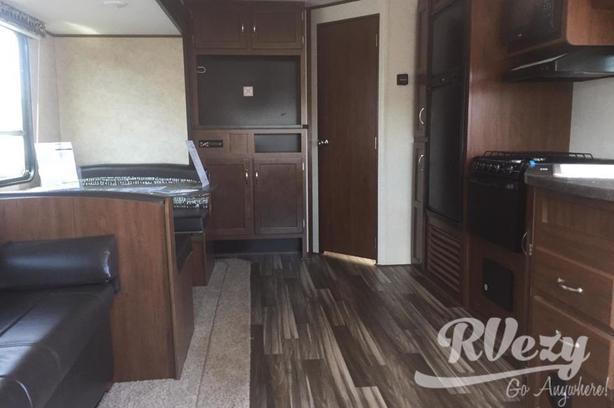 265RLSW (Rent  RVs, Motorhomes, Trailers & Camper vans)