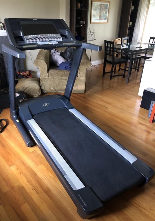 NordicTrack Elite zi Professional Treadmill
