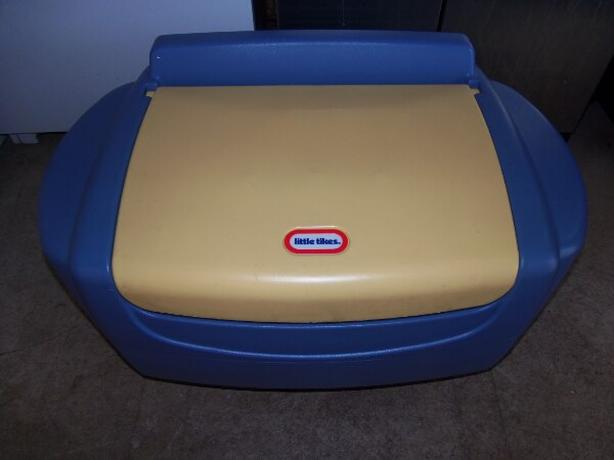 little tikes toy cest & storage box
