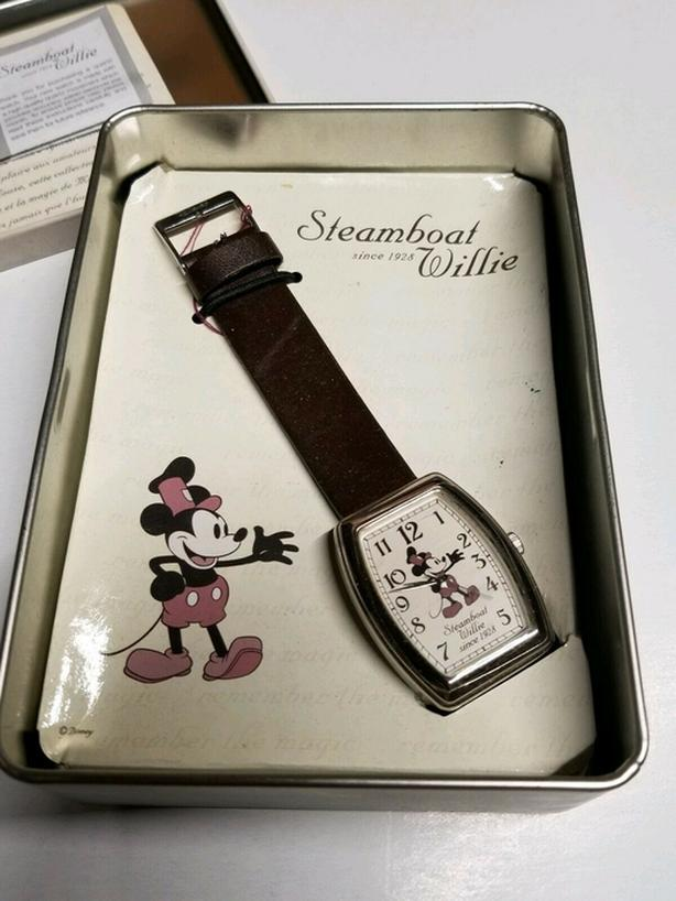 1980'S VINTAGE DISNEY MICKEY MOUSE STEAMBOAT WILLIE WATCH