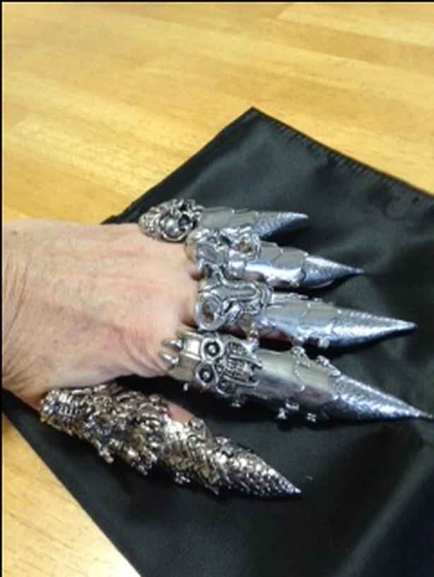 Finger armour