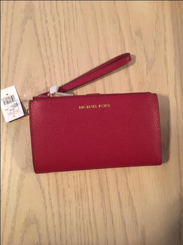 Authentic Michael Kors (new with tags) Adele Smartphone Wallet