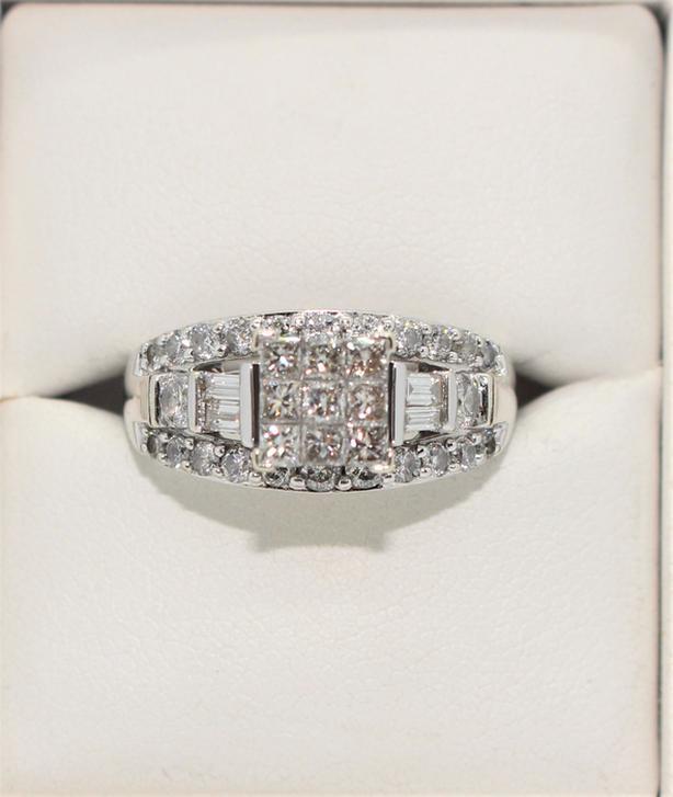 #166316-1 14K White Gold Diamond Cluster Ring