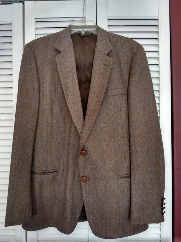 Mens  Suit - Large