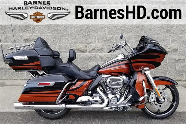 2015 Harley-Davidson® FLTRXSE - CVO™ Road Glide®