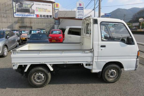 WANTED: WANTED: small truck like the picture only