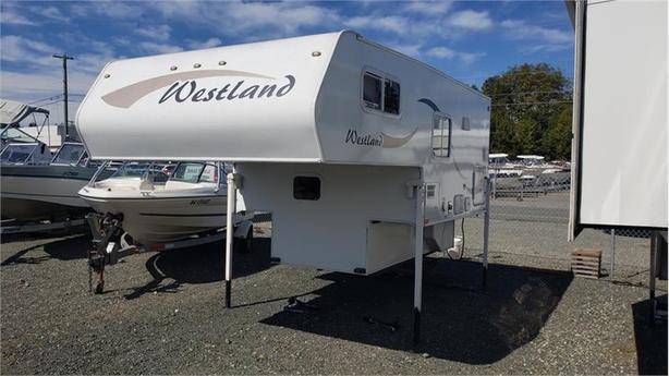 2017 Westland RV 80WSL Base