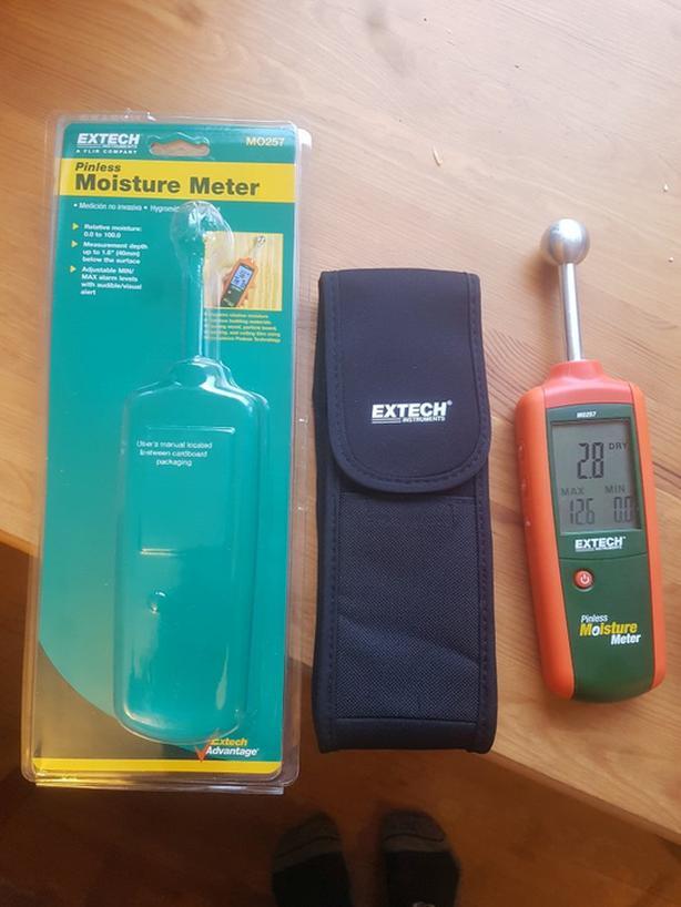 """Extech Pinless moisture meter (0.8-1.6"""" depth) - for rent"""