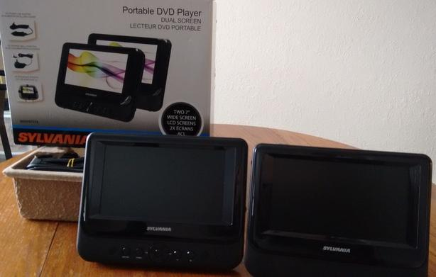 Sylvania Portable DVD player with  Dual Screen 7 inches