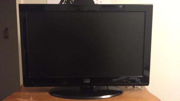 """32"""" Fluid TV"""