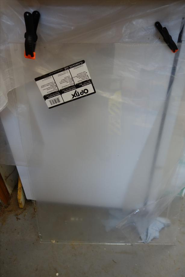 FREE: Glass and Acrylic Sheet