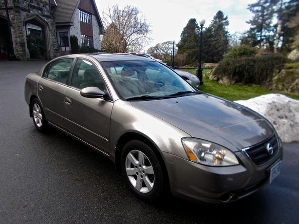 2002 Nissan Altima, Top-of-the-Line Victoria Car, 149,000K