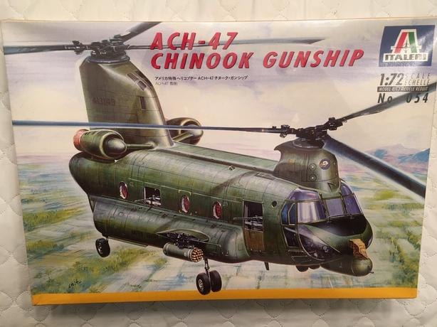 Italeri 1:72 ACH-47 Chinook Gunship Helicopter Aircraft Model Kit