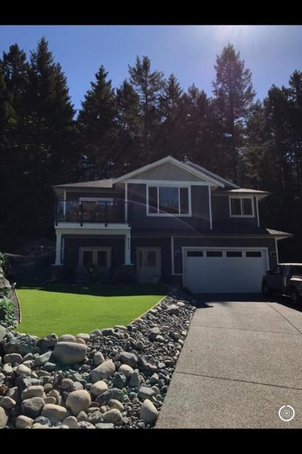 Gorgeous 3BR/2Bath Upper level suite in Ladysmith B.C. ALL INCLUSIVE.