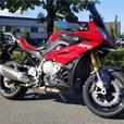 2016 BMW S 1000 XR Light White / Granite Grey Metallic / Racing Red