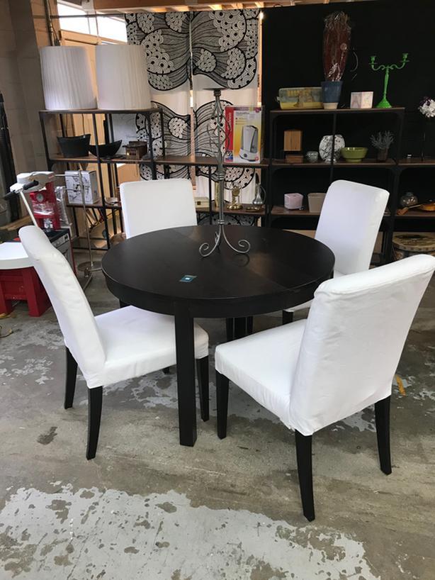 Bjursta Dining Table & Four Henriksdal Chairs