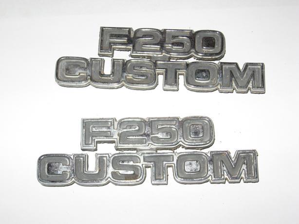 F250 Custom fender logo Emblem Ford part D7TB16702FWC